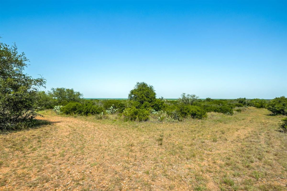 special rolling 230 acre property luxury real estate