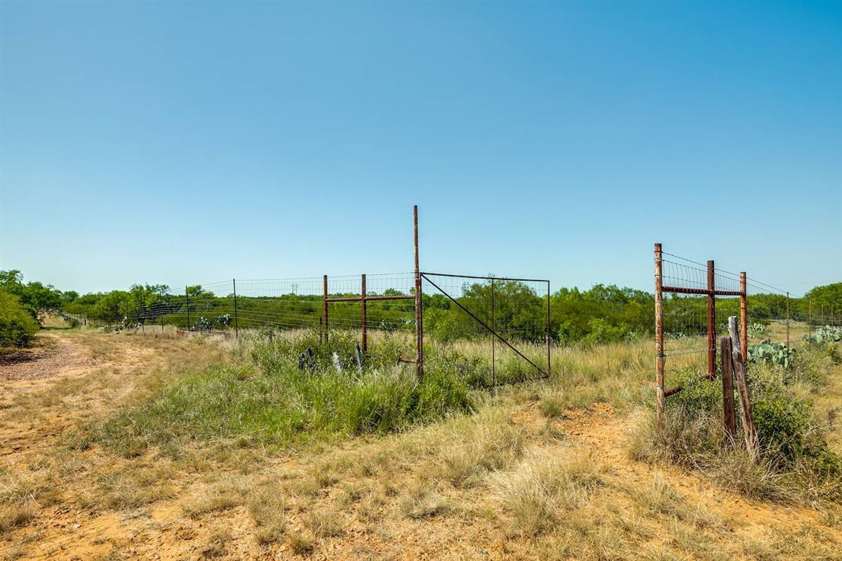 Luxury homes in special rolling 230 acre property