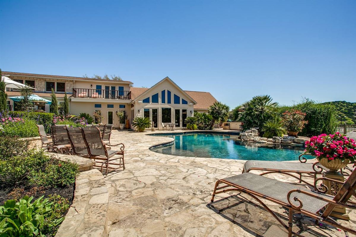 Double Diamond Ranch in boerne luxury homes