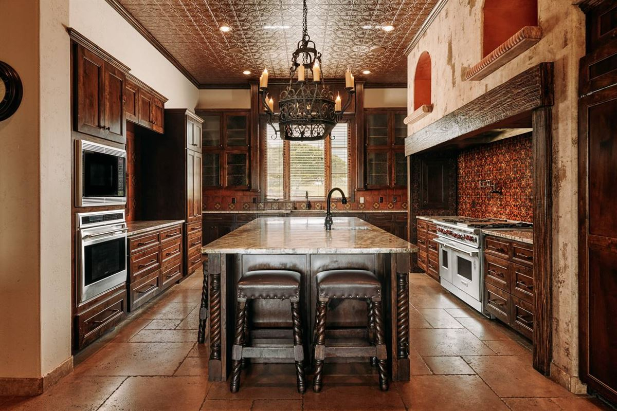 Luxury homes in masterfully designed estate on 64 acres