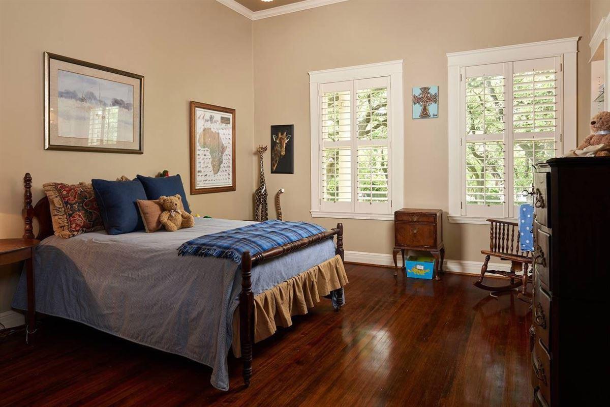 Terrell Hills grandeur luxury homes