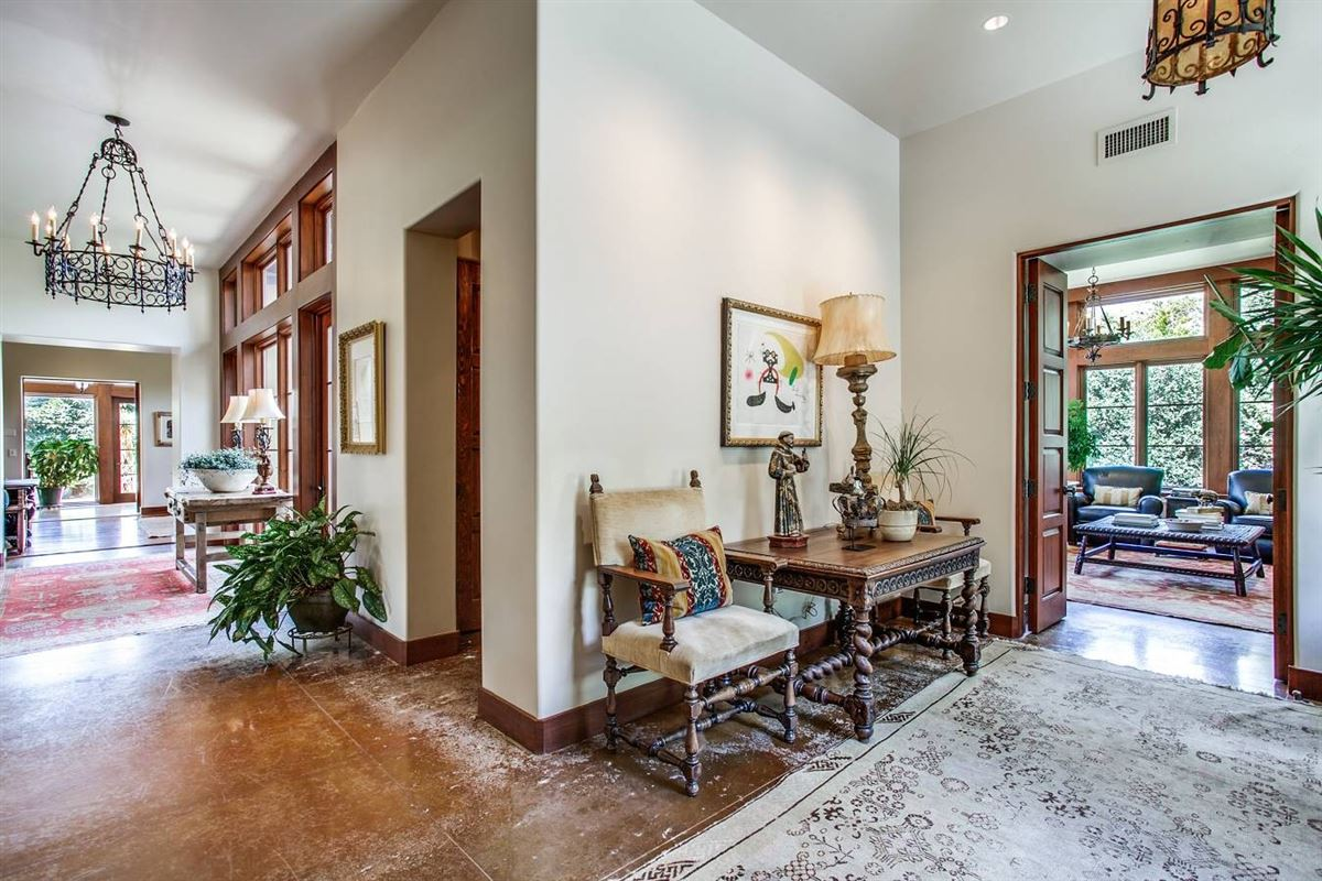 Luxury homes an exceptional Southwestern-style home
