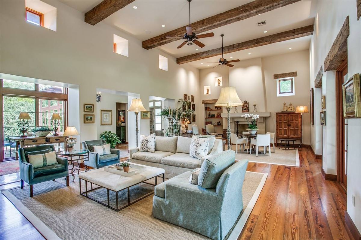 Luxury homes in an exceptional Southwestern-style home