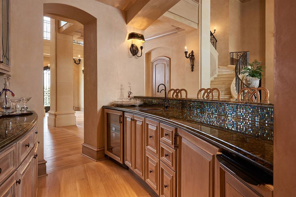 Luxury real estate a defining achievement in Terrell Hills