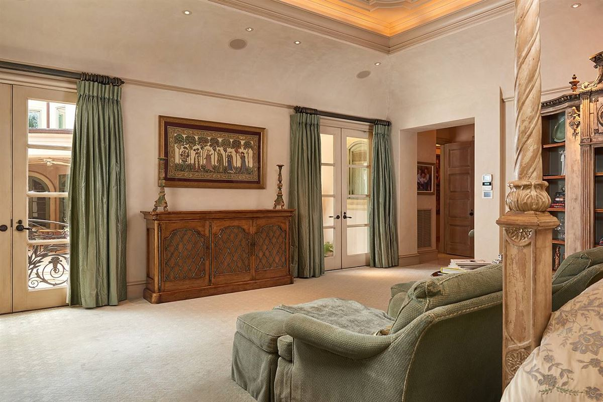 Luxury homes a defining achievement in Terrell Hills