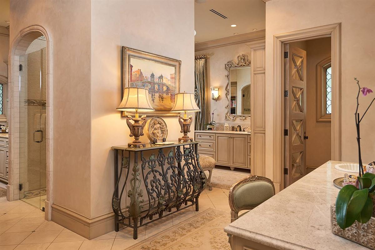 a defining achievement in Terrell Hills luxury homes