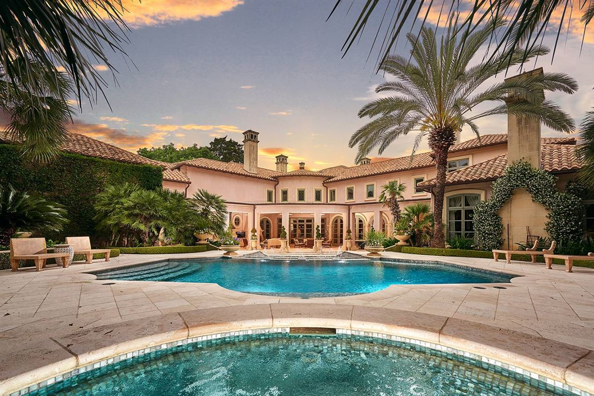 a defining achievement in Terrell Hills mansions