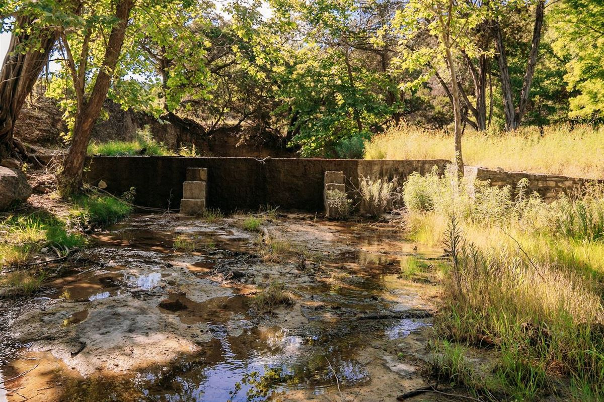 Luxury properties turnkey ranch with unparalleled water frontage