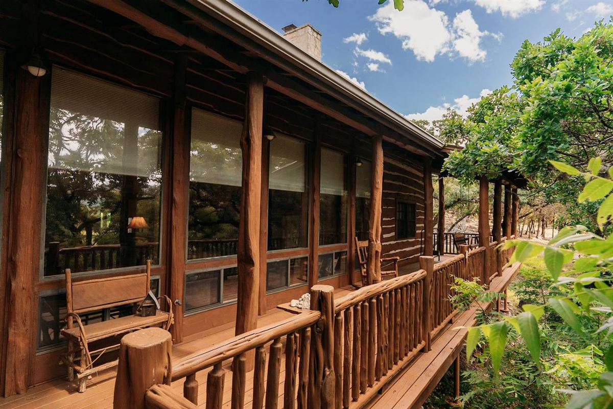 Mansions turnkey ranch with unparalleled water frontage