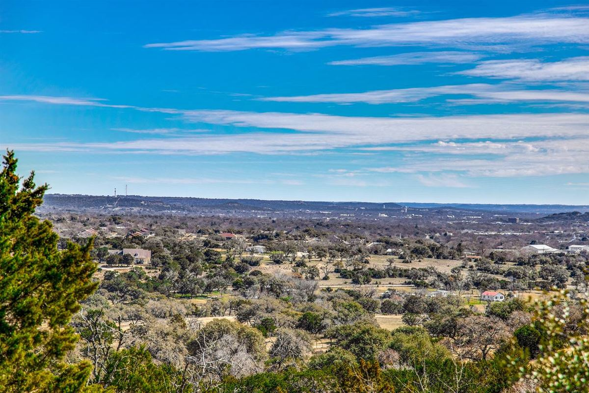 approximately 25 acres of fantastic Hill Country living luxury homes