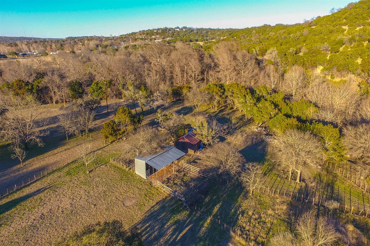 approximately 25 acres of fantastic Hill Country living mansions
