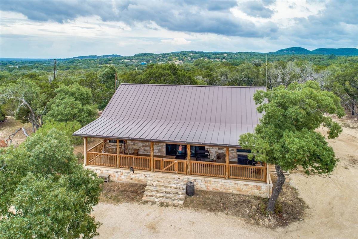 Luxury homes in Equestrian property in medina