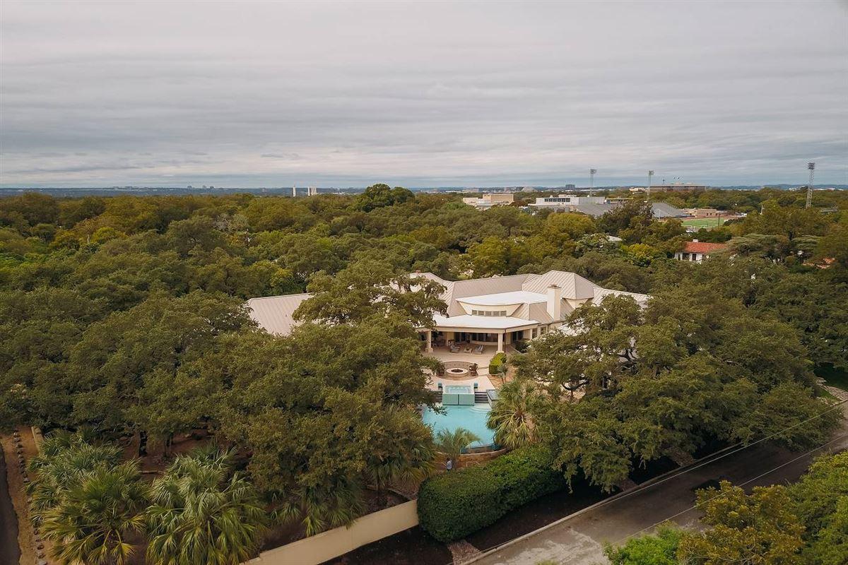Luxury properties truly unforgettable trophy property