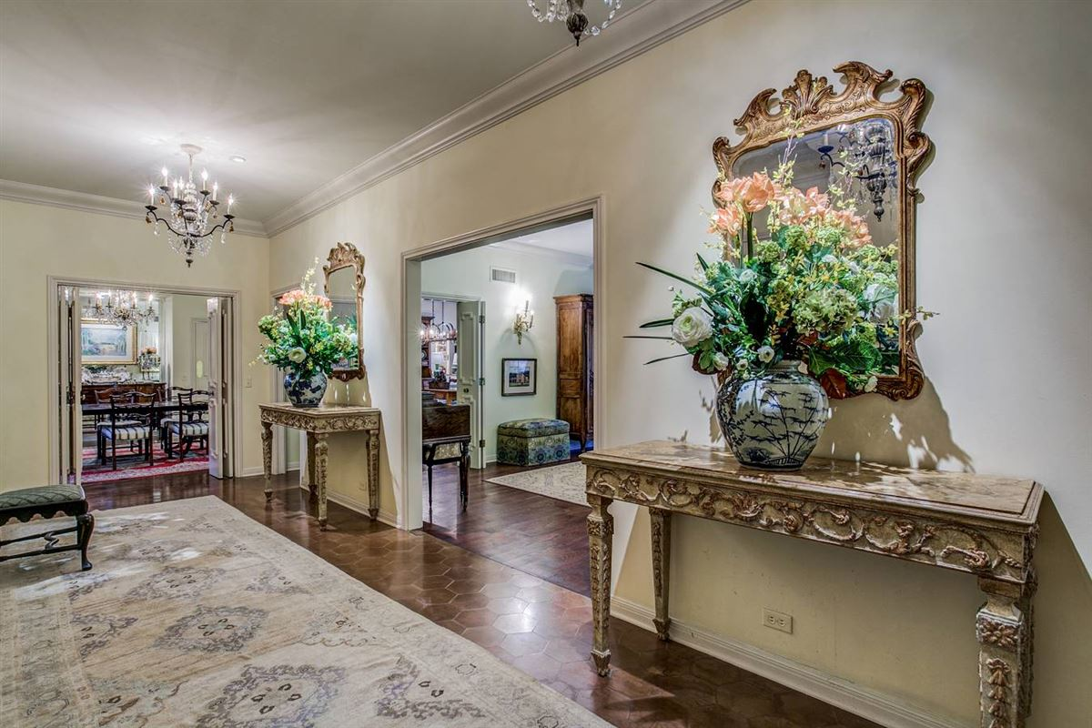 Luxury homes exceptional historic estate in terrell hills