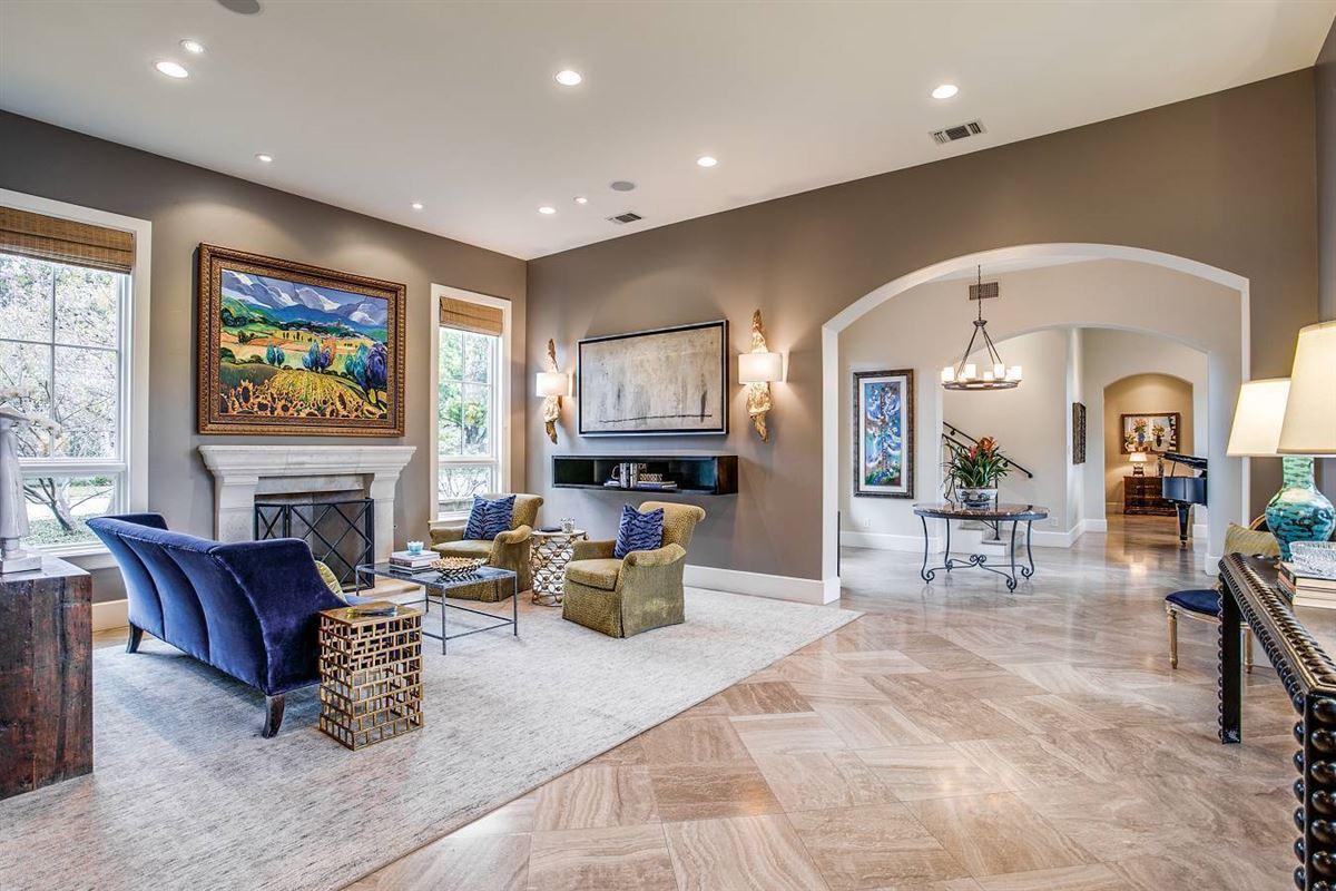 Luxury homes distinctive San Antonio contemporary home