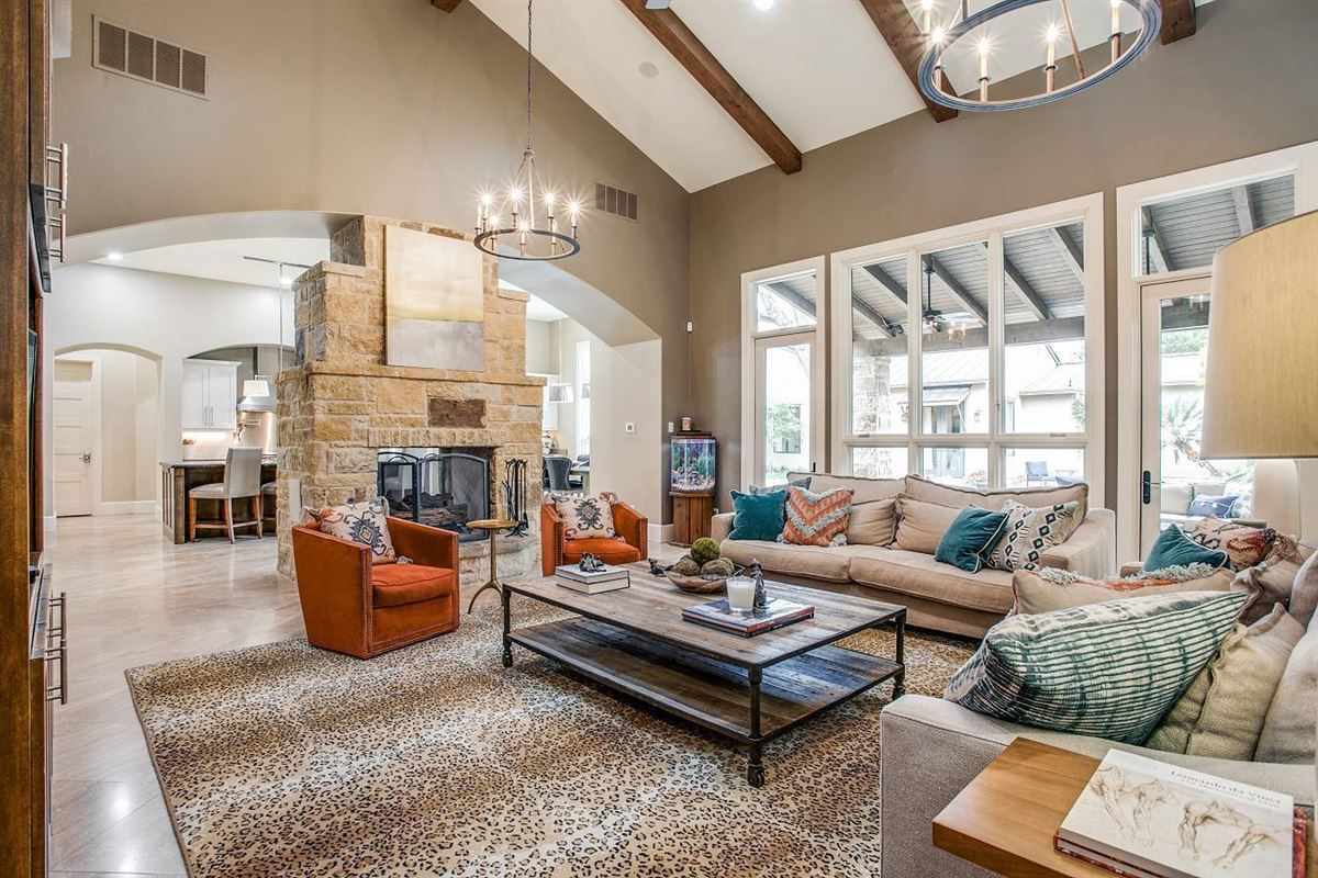 distinctive San Antonio contemporary home luxury homes