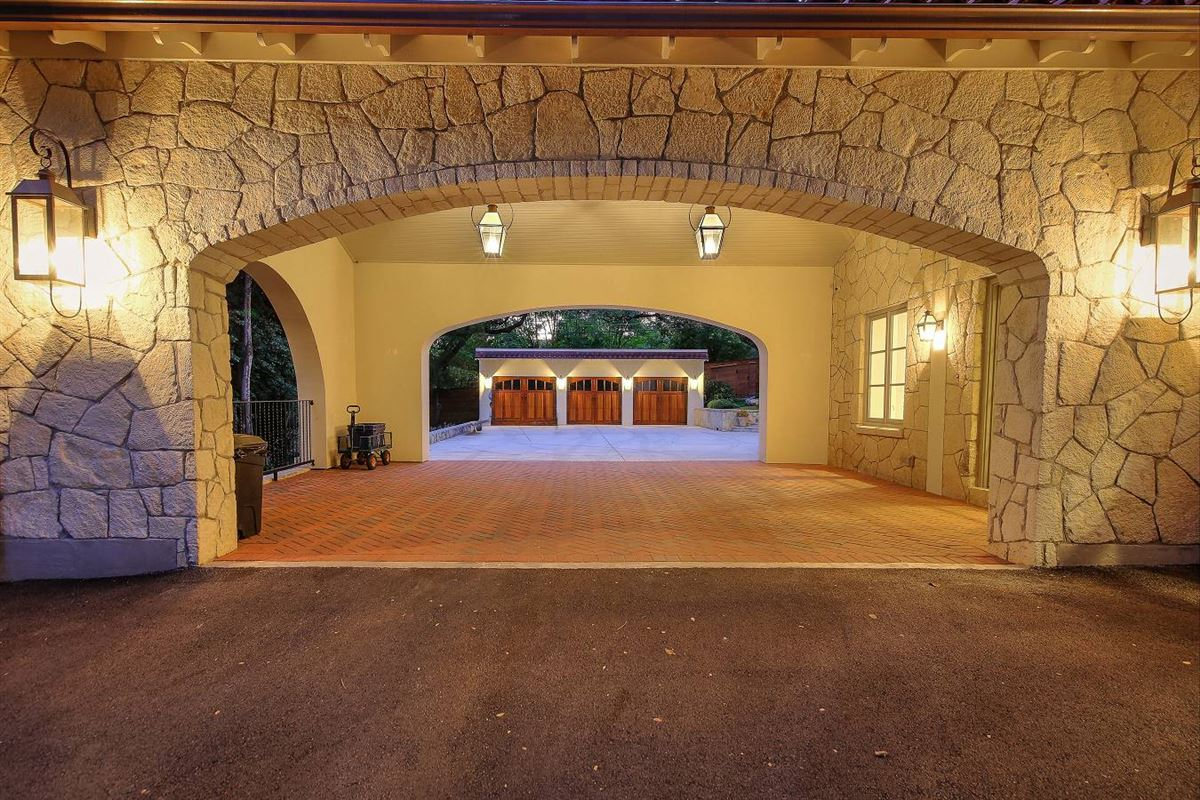 Luxury real estate remarkable gated trophy property