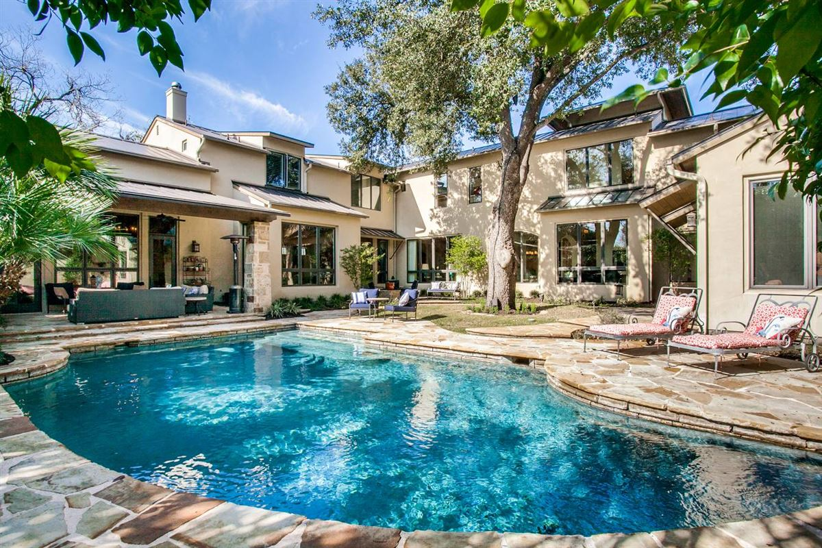 Luxury properties stylish and spectacular estate