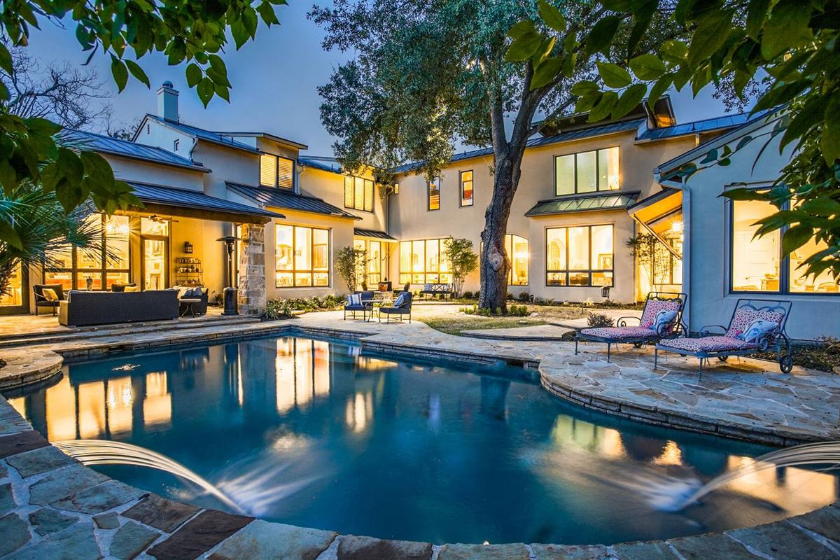 Mansions stylish and spectacular estate