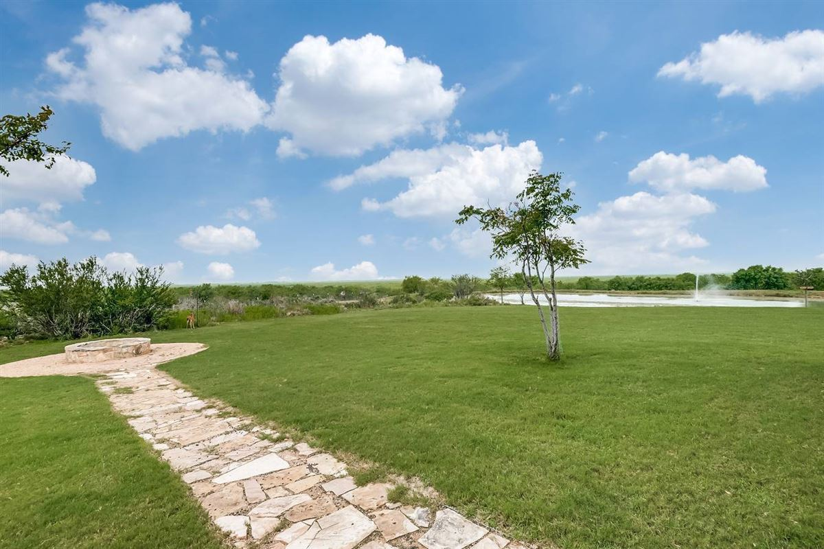Luxury homes in high-fenced ranch paradise
