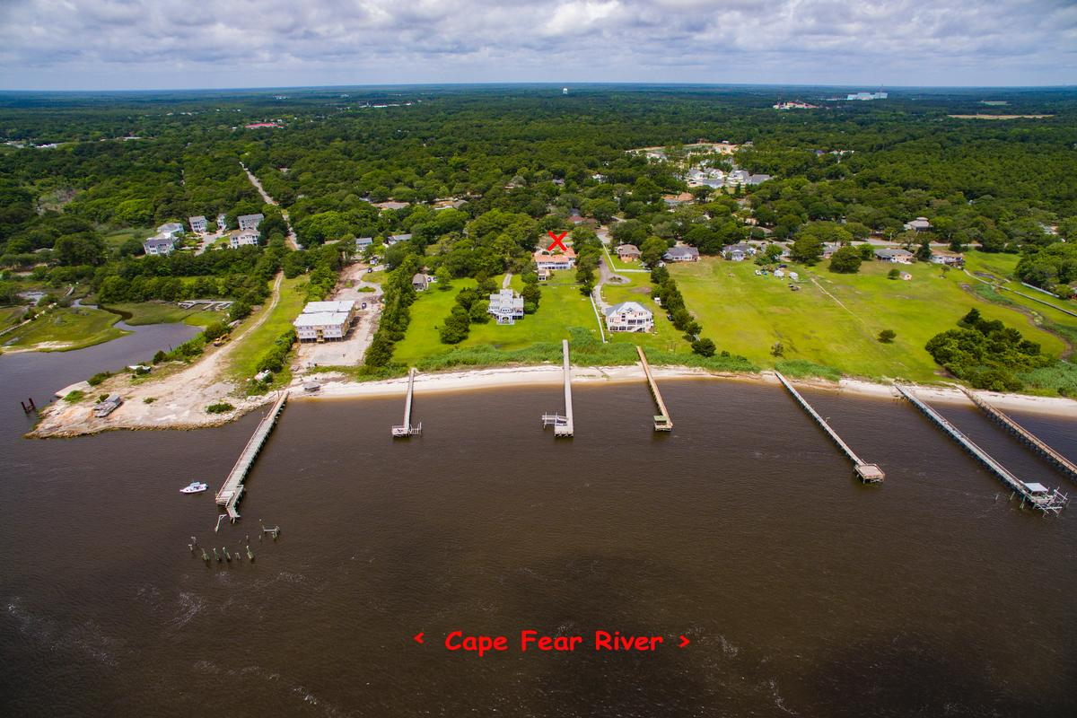 Mansions in Beautiful view of the Cape Fear River