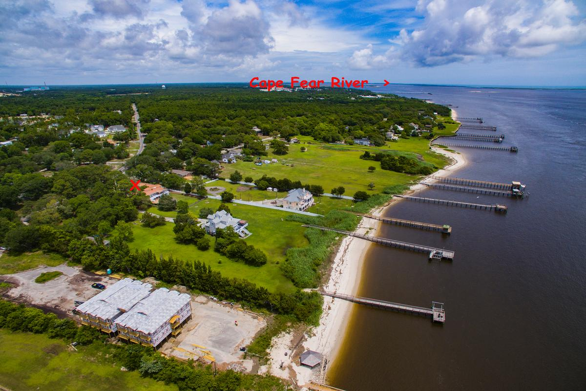 Luxury homes Beautiful view of the Cape Fear River