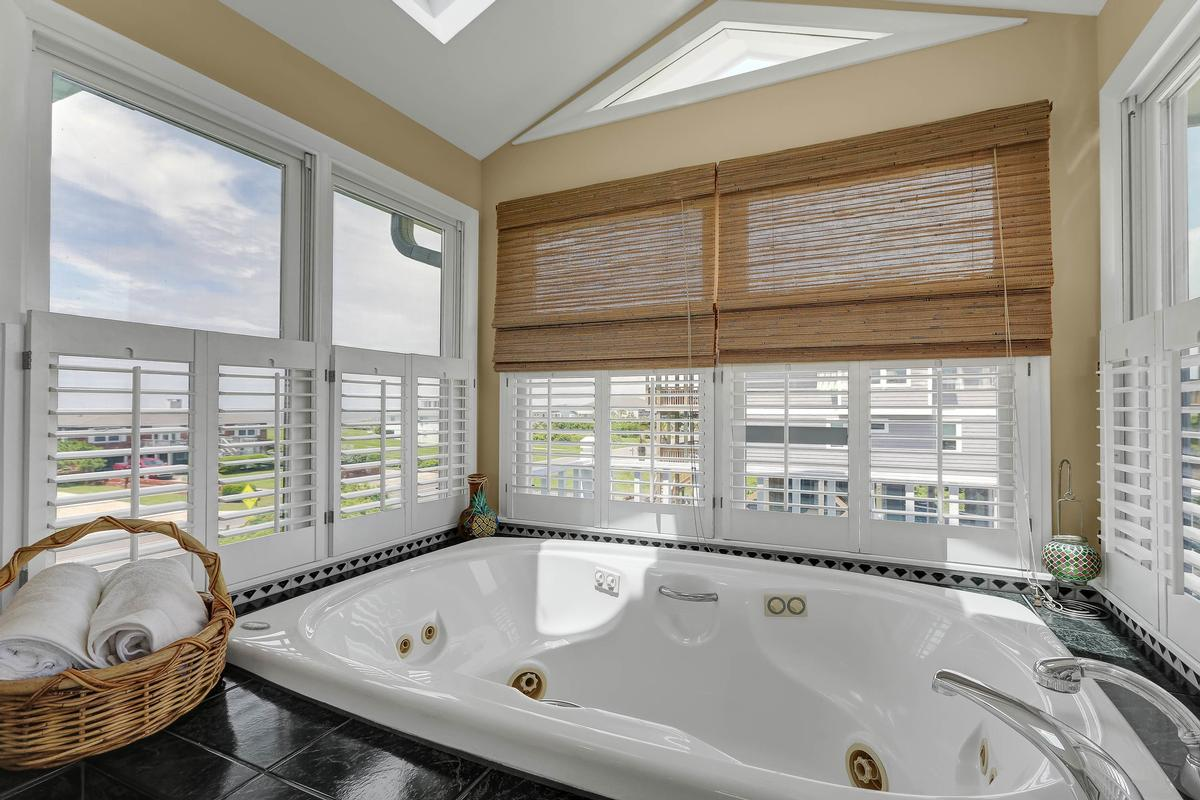 Luxury homes Amazing views take your breath away