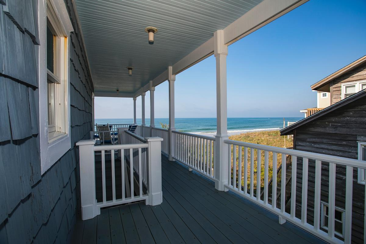 Exceptional custom oceanfront home luxury homes