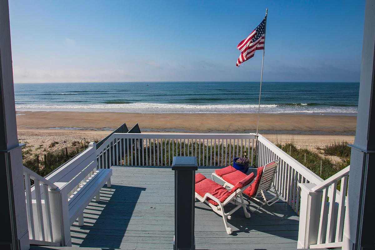 Luxury real estate Exceptional custom oceanfront home