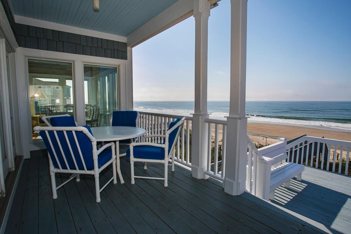 Luxury properties Exceptional custom oceanfront home