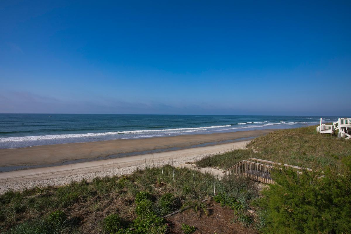 Mansions Exceptional custom oceanfront home