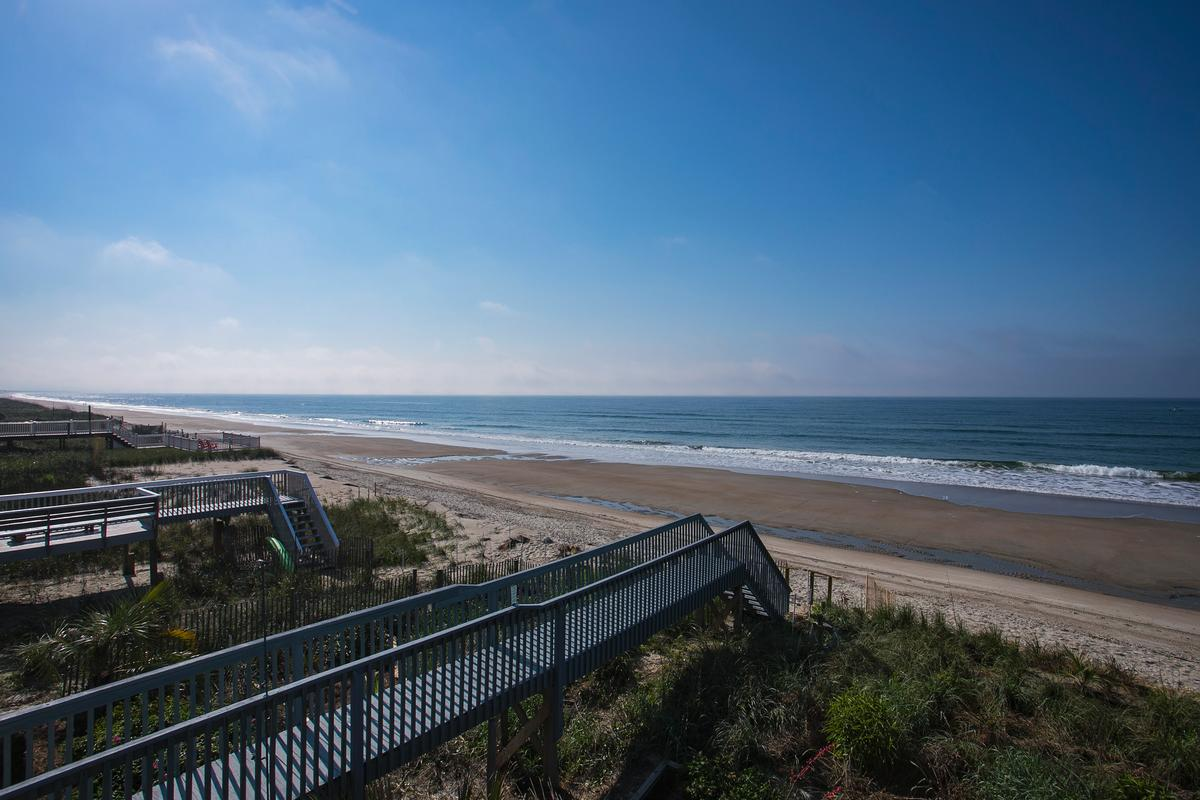 Luxury homes in Exceptional custom oceanfront home