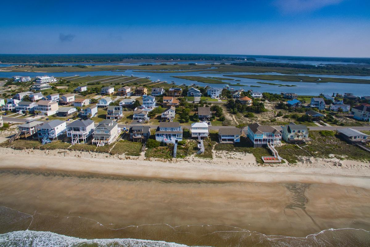 Luxury homes Exceptional custom oceanfront home