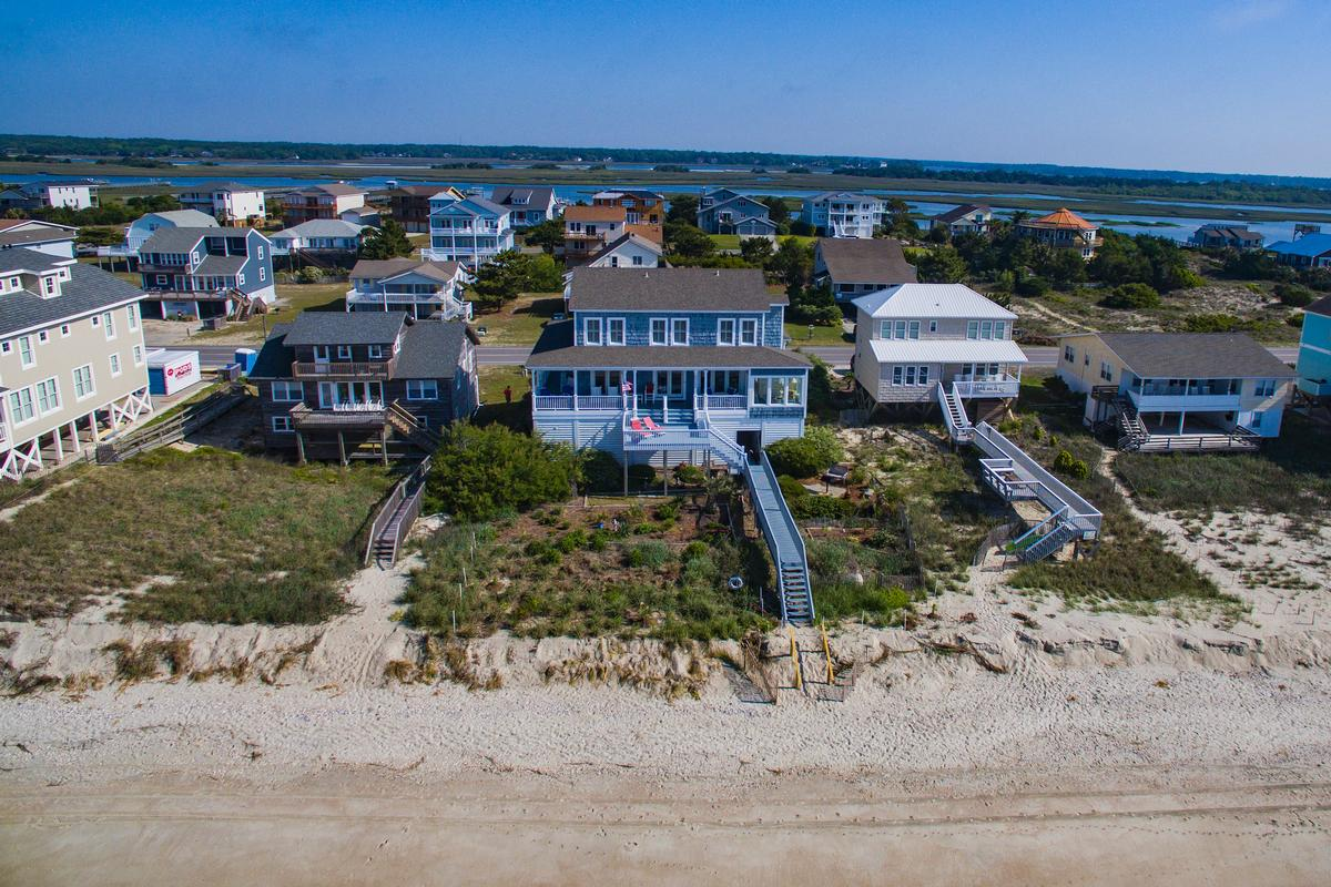 Exceptional custom oceanfront home mansions