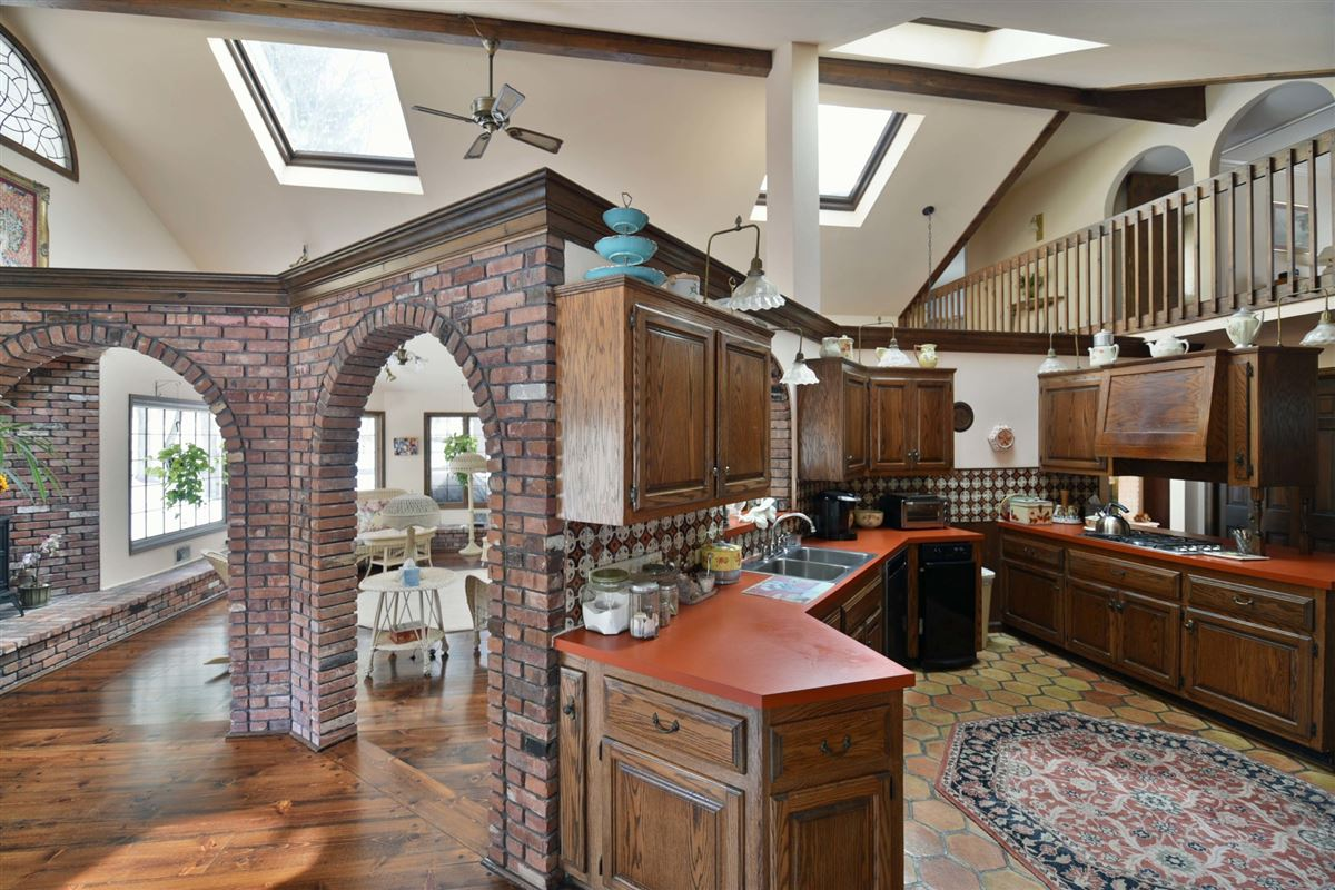 spacious colonial in the heart of town luxury properties
