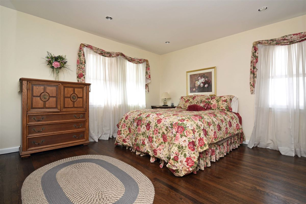 spacious colonial in the heart of town luxury homes