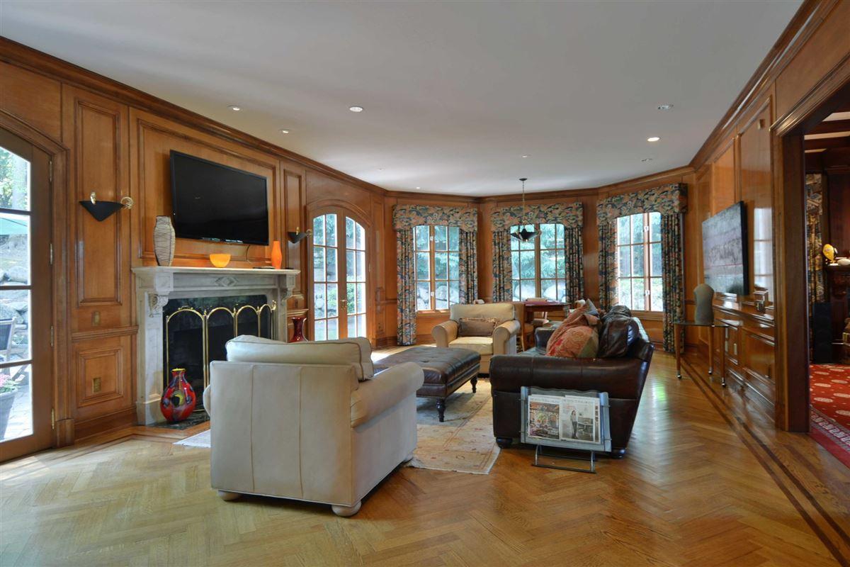 Luxury properties distinctive custom manor