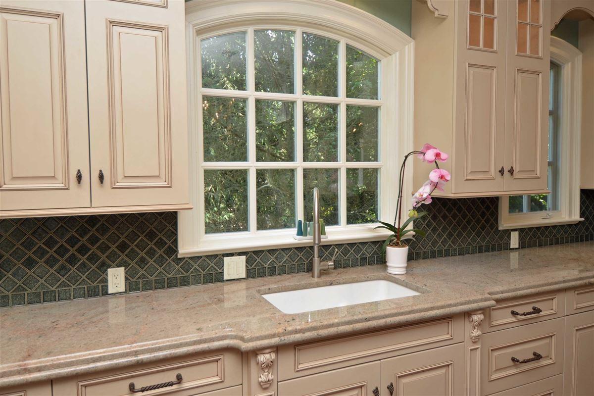 distinctive custom manor luxury homes