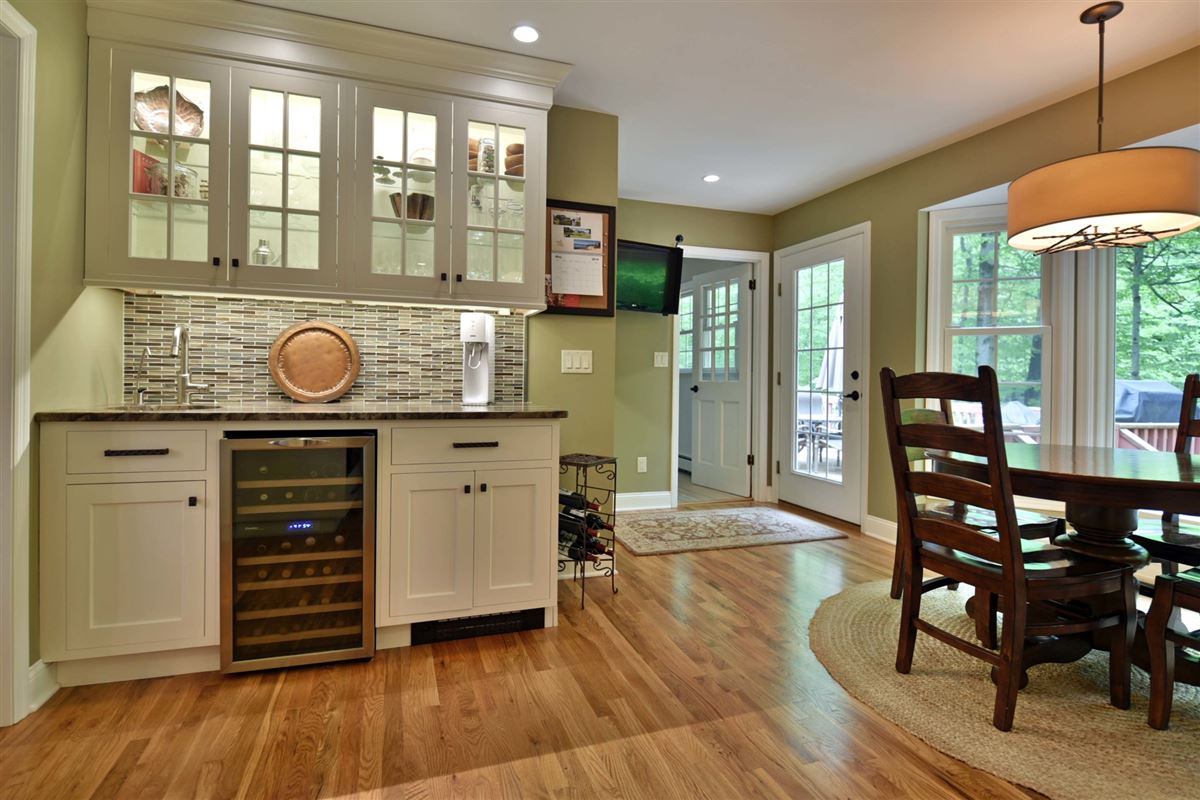 meticulously maintained center hall colonial luxury homes