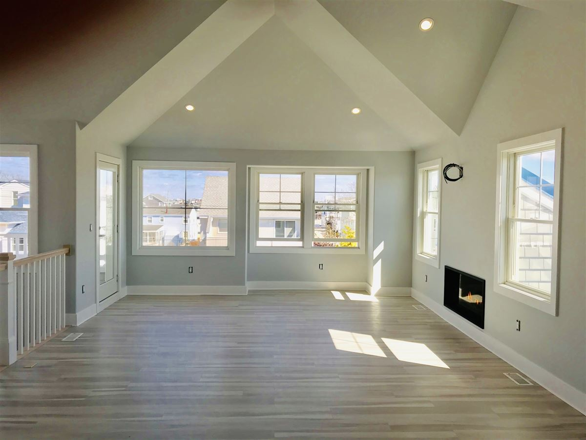Luxury homes new construction reverse living beach house
