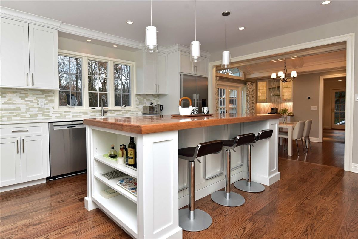 Renovated And Updated Center Hall Colonial New Jersey Luxury Homes Mansions For Sale Luxury Portfolio