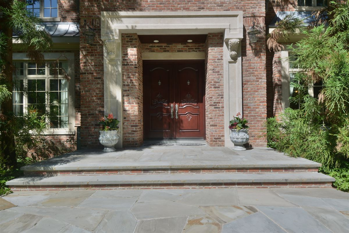 private estate in exclusive Chestnut Ridge luxury real estate