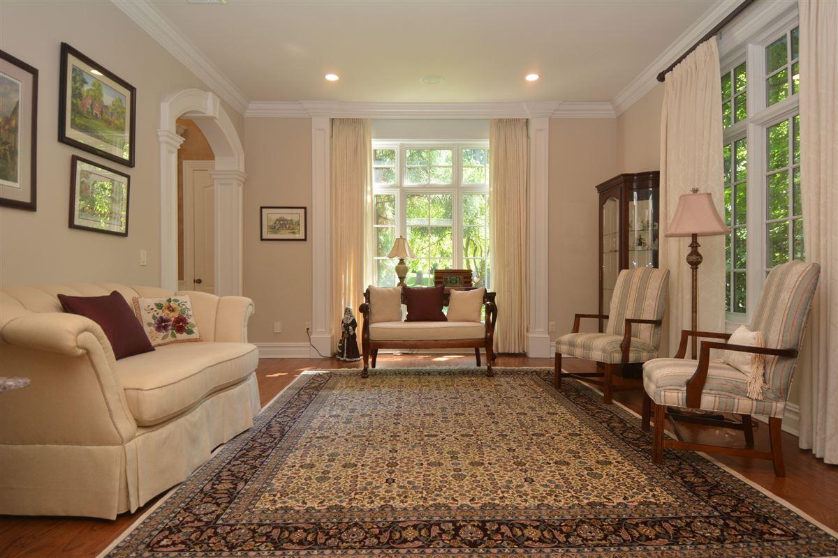 Luxury homes in private estate in exclusive Chestnut Ridge
