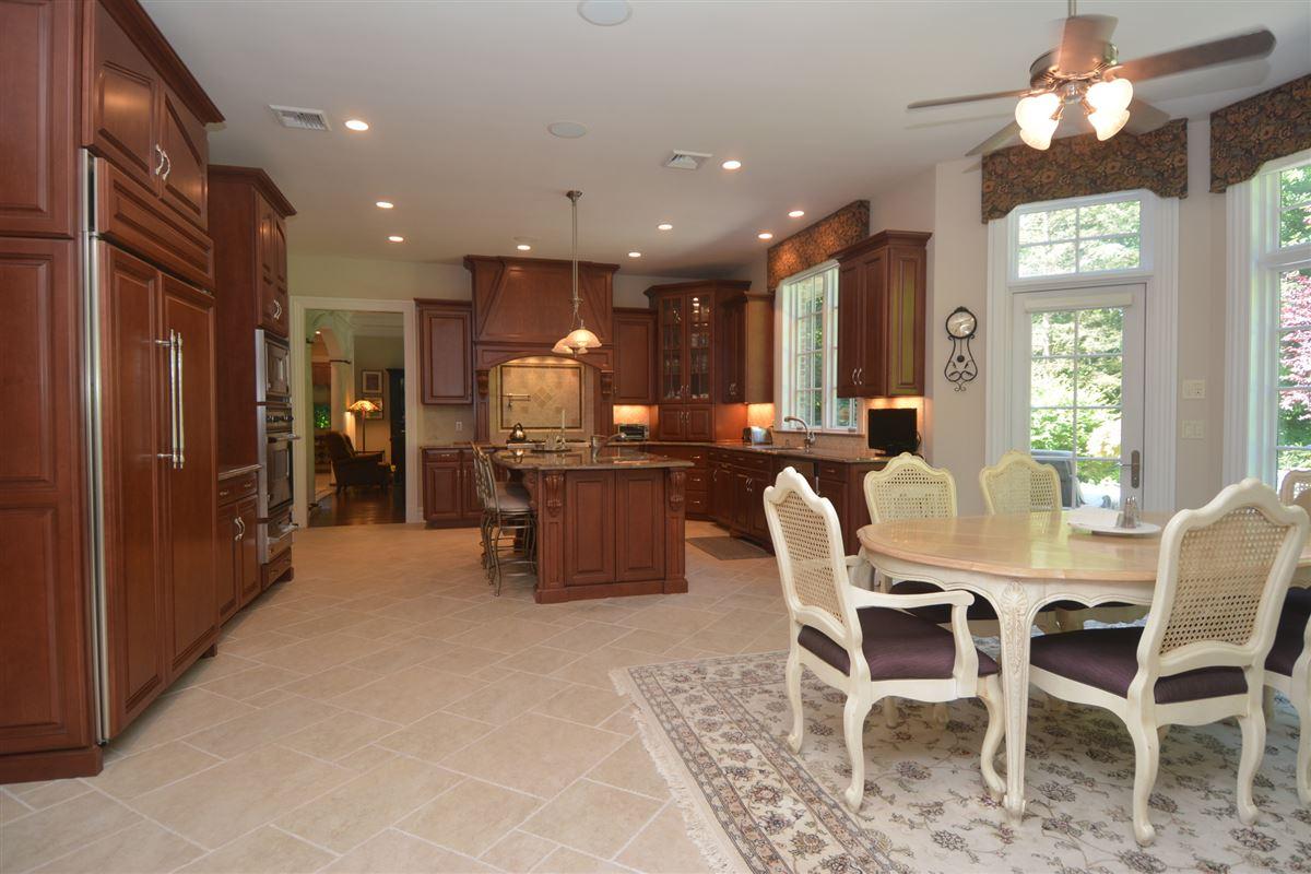 Mansions private estate in exclusive Chestnut Ridge