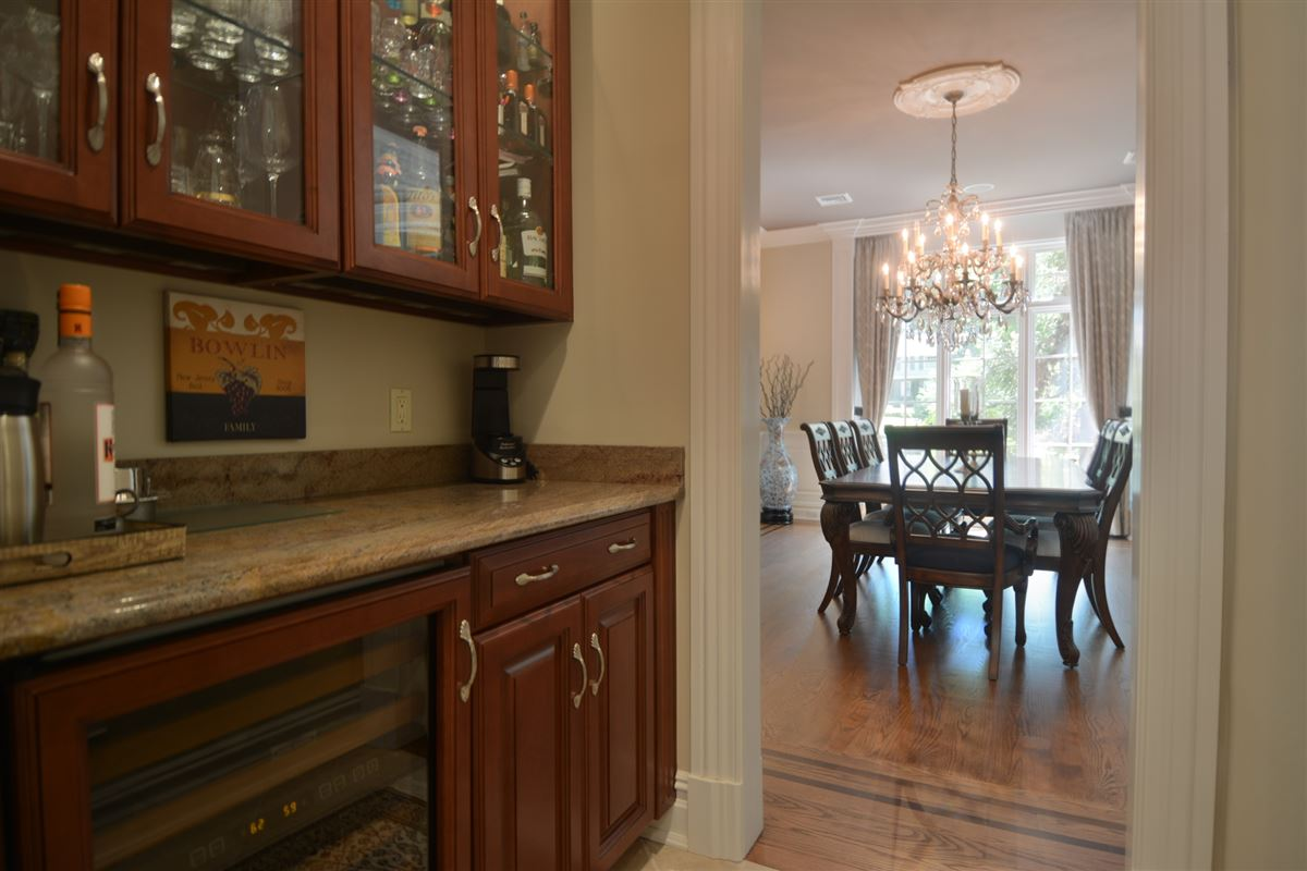 private estate in exclusive Chestnut Ridge luxury homes