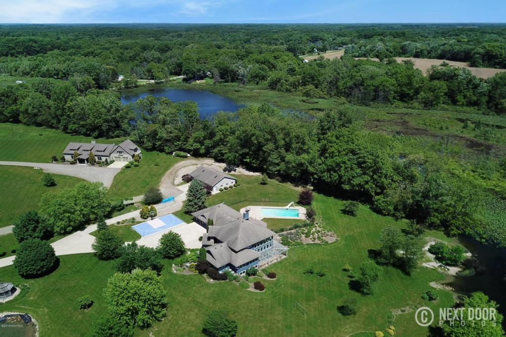 Mansions Magnificent 81 Acre Property
