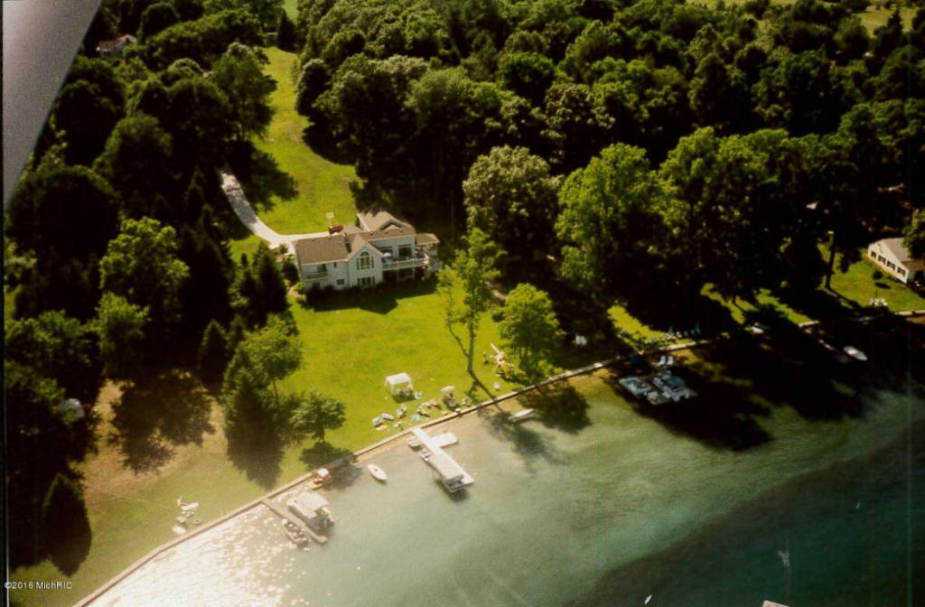 Mansions in Privacy on Birch Lake