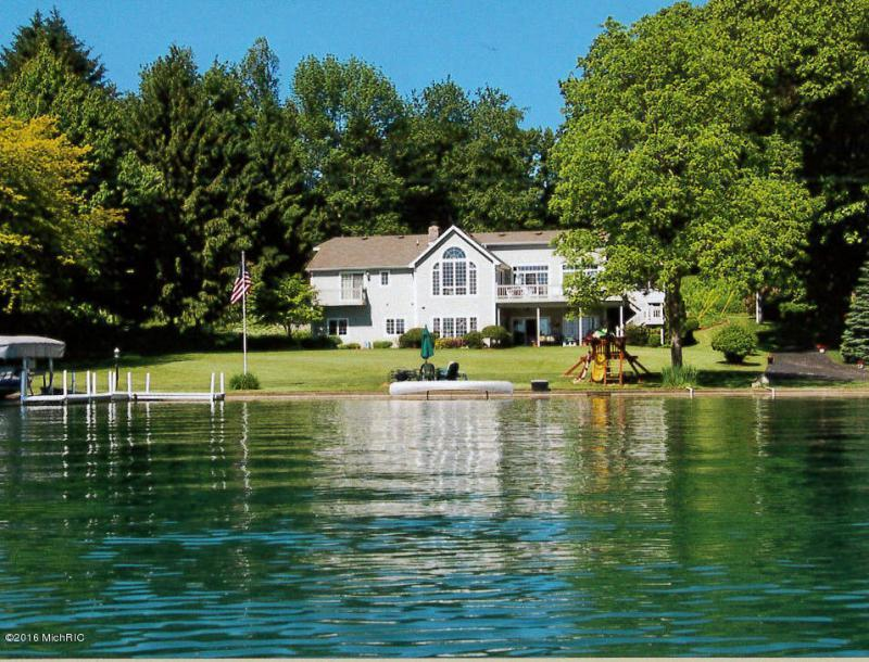 Marvelous Privacy On Birch Lake Michigan Luxury Homes Mansions For Home Remodeling Inspirations Cosmcuboardxyz