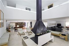 Luxury real estate Exclusive property in Santa Apolonia
