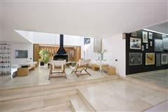 Exclusive property in Santa Apolonia  luxury real estate